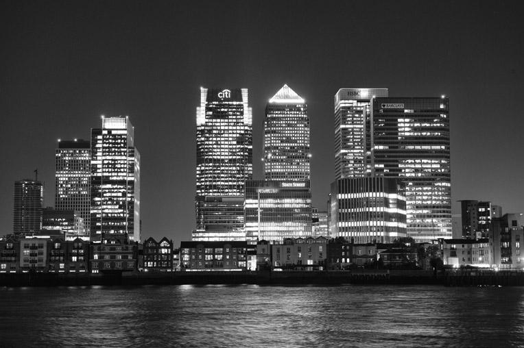 Dramatic London Cityscape – Canary Wharf