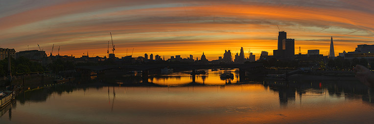 London sunrise photography – a panoramic print