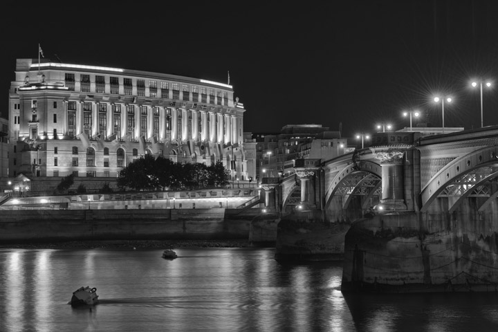 Black and white photograph of Blackfriars featuring Unilever House