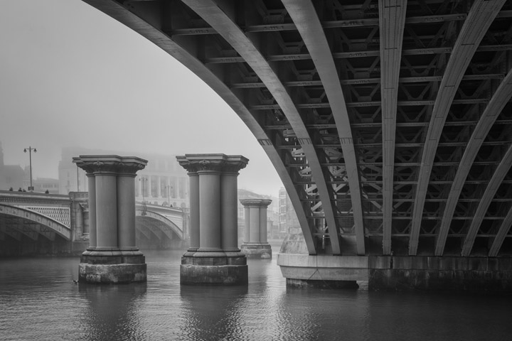 Black and white photograph of Blackfriars Bridge