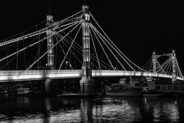 Black and white photo of Albert Bridge
