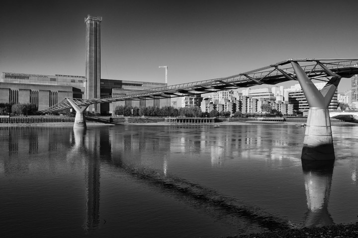 Black and white photo of Millennium Bridge