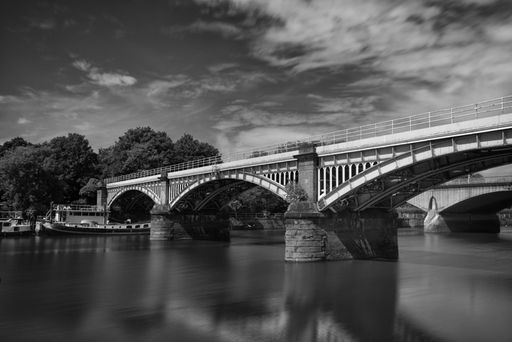 Black and white photo of Richmond Railway Bridge