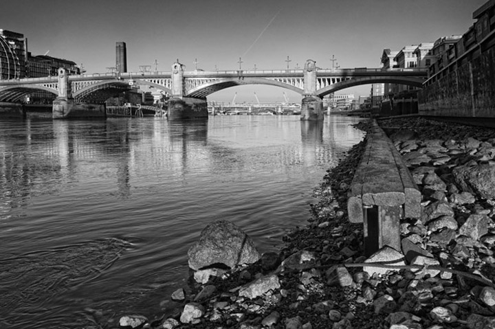 Black and white photo of Southwark Bridge