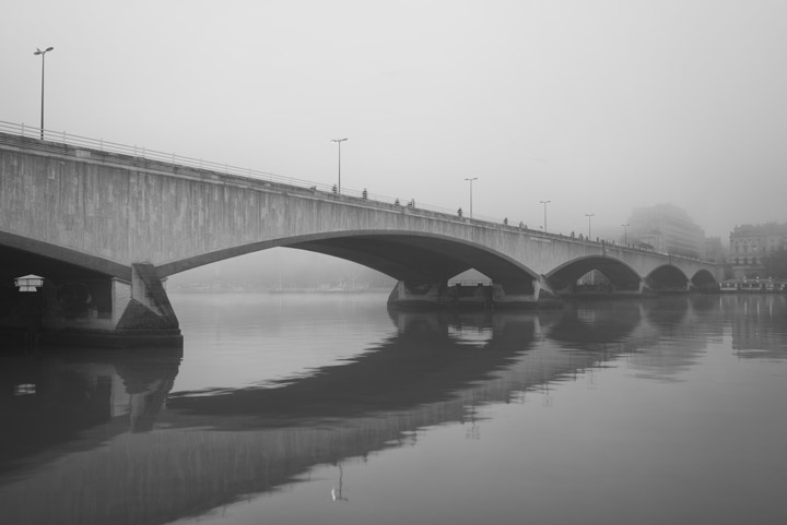 Black and white photo of Waterloo Bridge