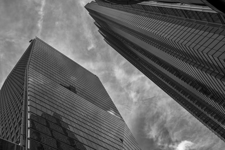 Black and white photo of 100 Bishopsgate skyscraper in London
