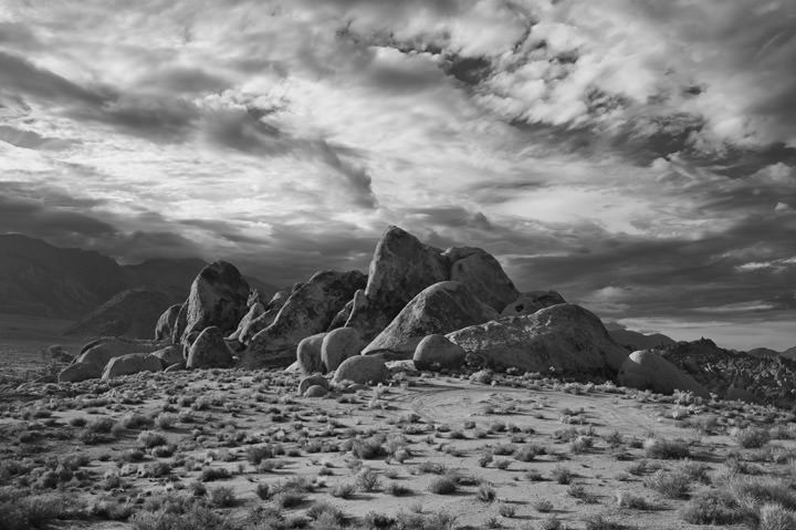 Photograph of Alabama Hills 1