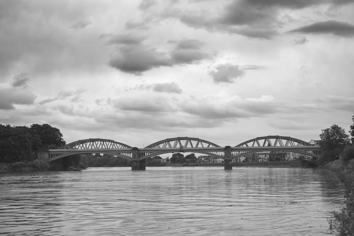 Photograph of Barnes Railway Bridge 2