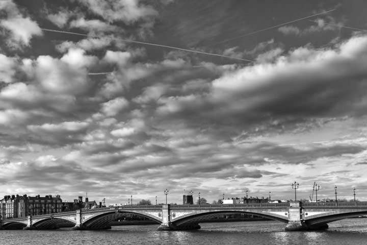 Photograph of Battersea Bridge 11