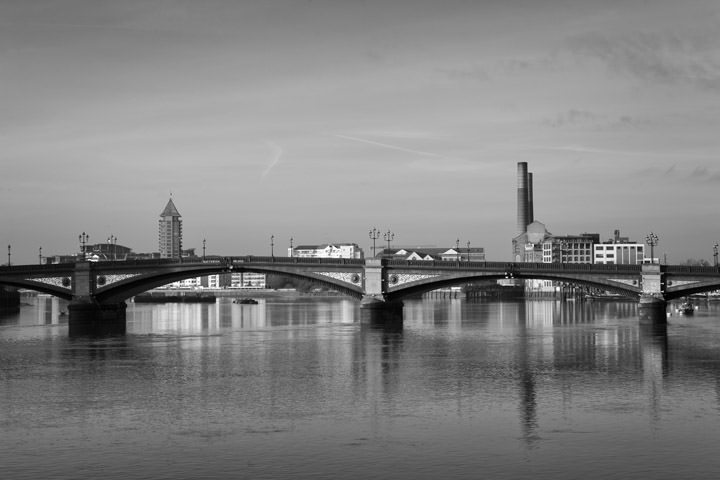 Photograph of Battersea Bridge 14