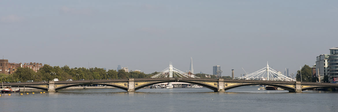 panoramic photograph of Battersea Bridge