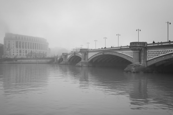 Photograph of Blackfriars Bridge 16