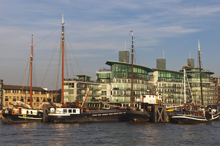 Boats at Halcyon Wharf - Wapping in Tower hamlets