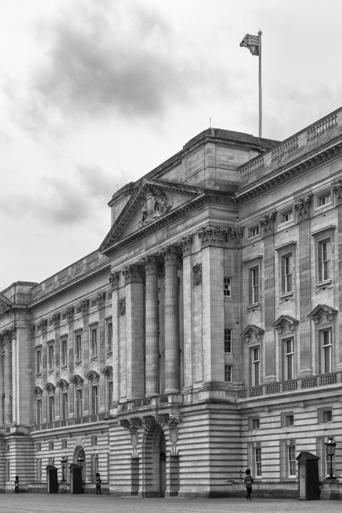 Photograph of Buckingham Palace 10