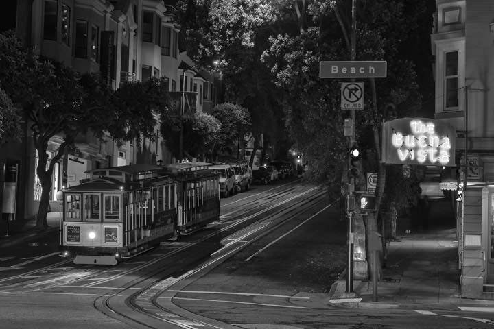 Photograph of Cable Car at Hyde Street 1