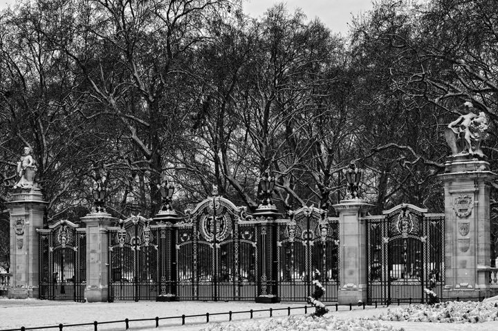 Photograph of Canada Gate - Green Park