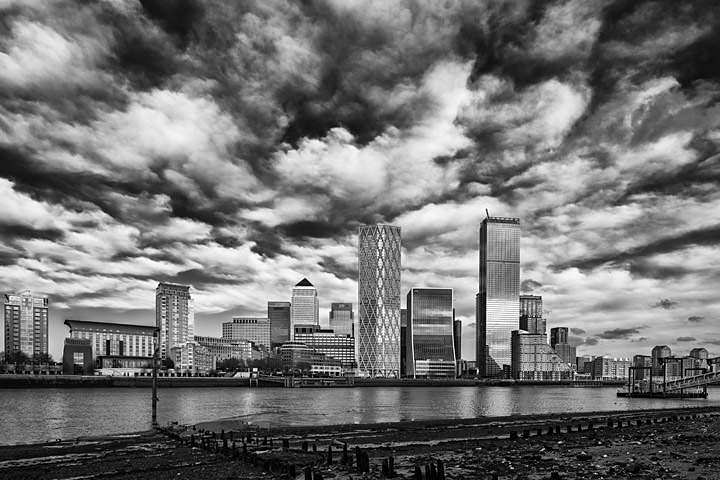 Photograph of Canary Wharf 75