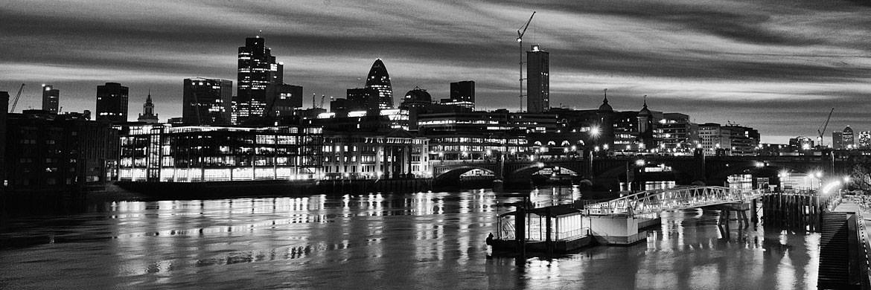 Black and White Panoramic Photographs of London Skyline | 1170 x 390 jpeg 137kB