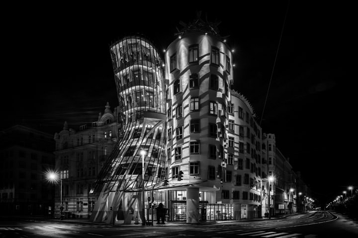 Photograph of Dancing House Prague 1