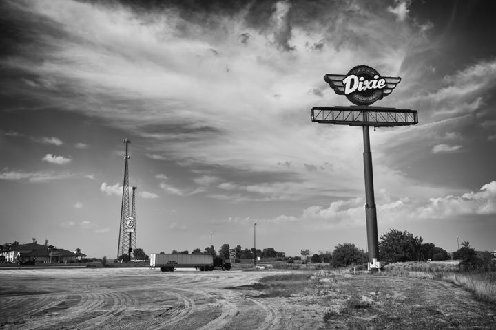 Dixie Truck Stop -  Route 66 Illinois