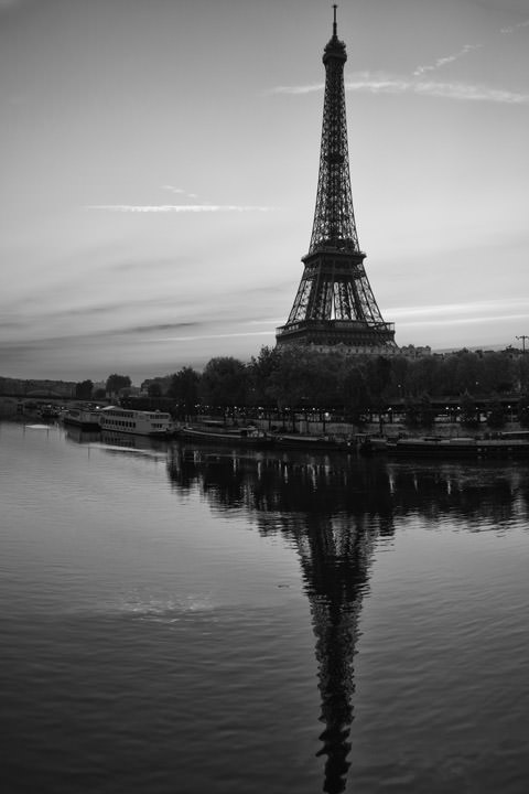 Photograph of Eiffel Tower 4