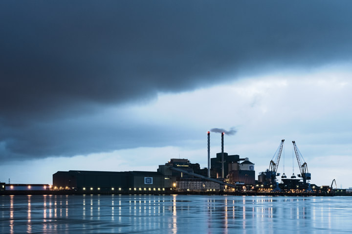 Tate and Lyle factory at Silvertown, Newham at dawn