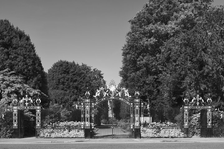 Photograph of Gates - Regents Park