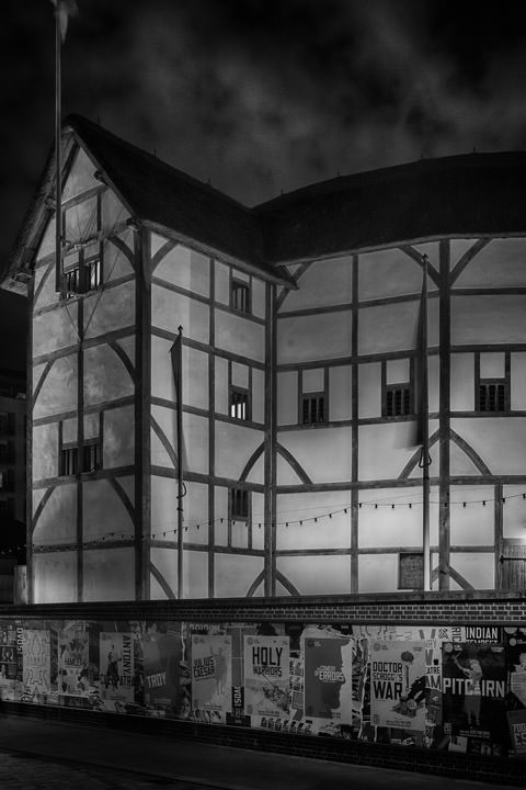 Photograph of Globe Theatre 1