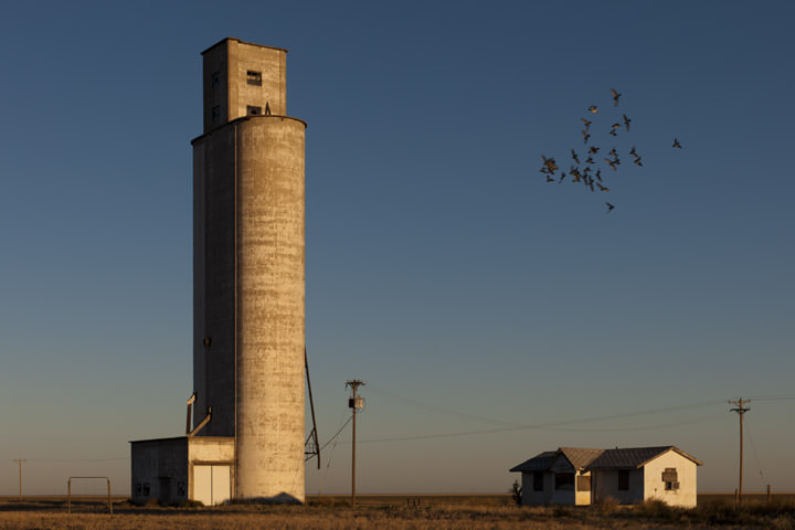 Photograph of Grain Elevator 2 - Route 66