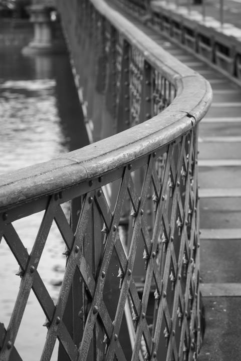 Photograph of Hammersmith Bridge 10