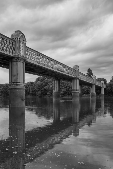 Photograph of Kew Railway Bridge 2