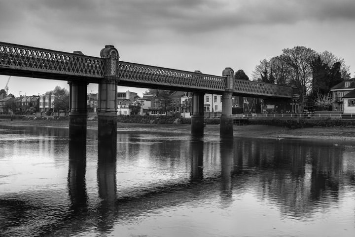 Photograph of Kew Railway Bridge 7