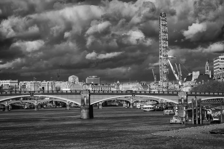 Photograph of Lambeth Bridge London Eye 2