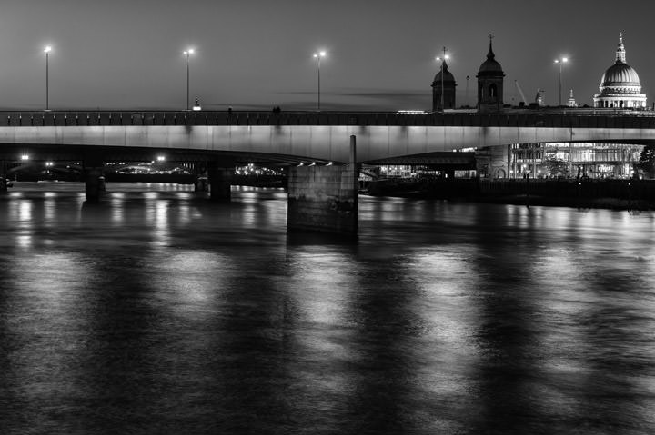 Photograph of London Bridge 24