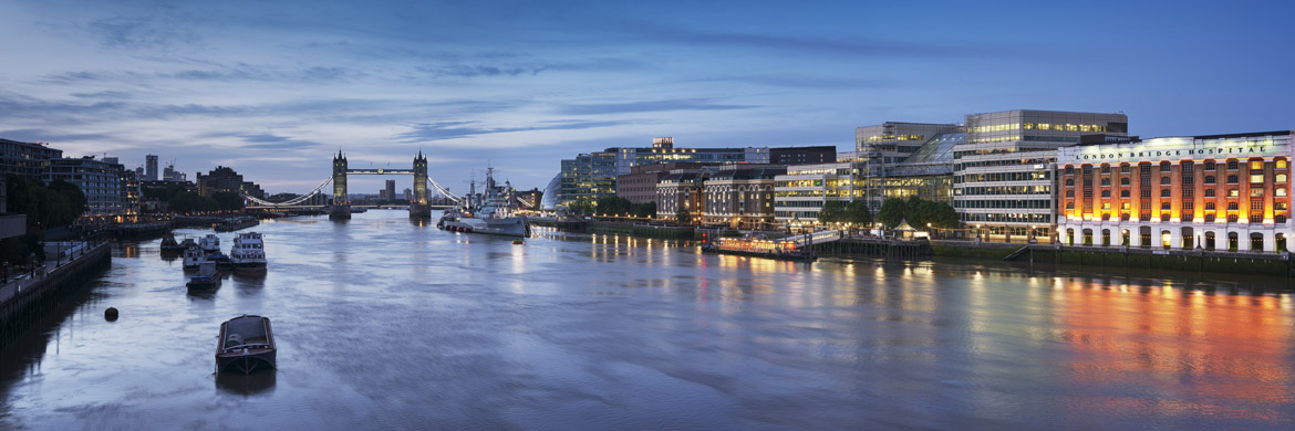 River Thames at Southwark featuring London Bridge City