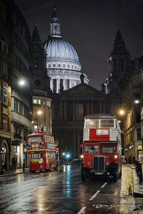 Photograph of London Bus St Pauls 2