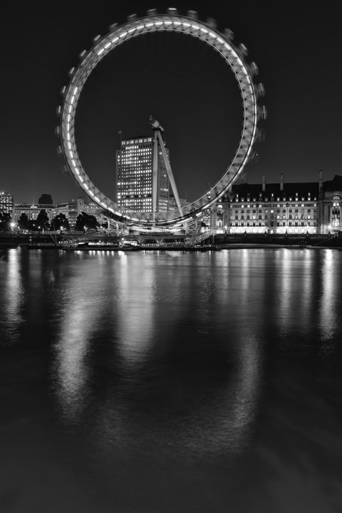 london eye black and - photo #26