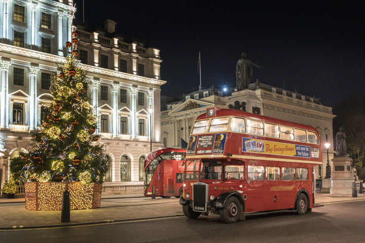 London buses Christmas