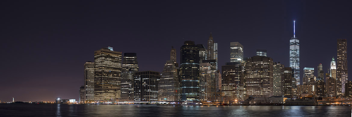 Photograph of Manhattan from Brooklyn 2