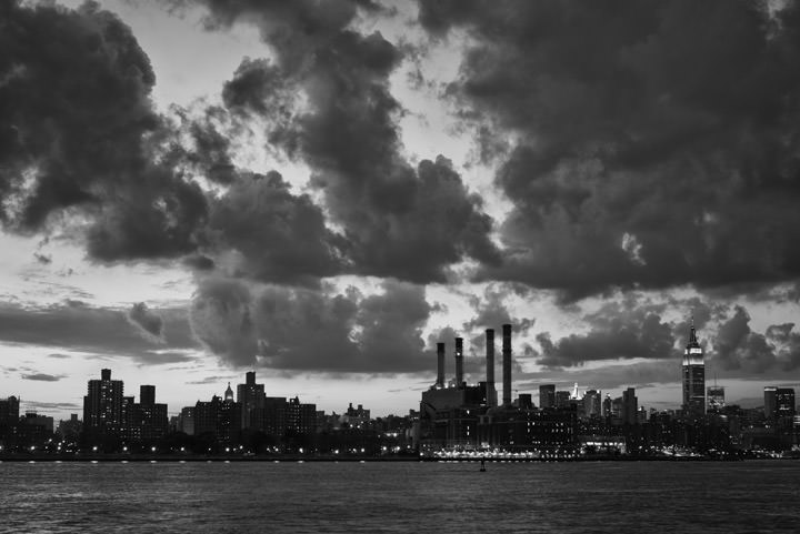 Photograph of Manhattan from Williamsburg 1