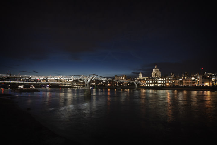 Photograph of Millennium Bridge 18