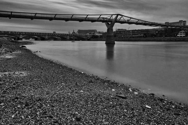 Photograph of Millennium Bridge 8