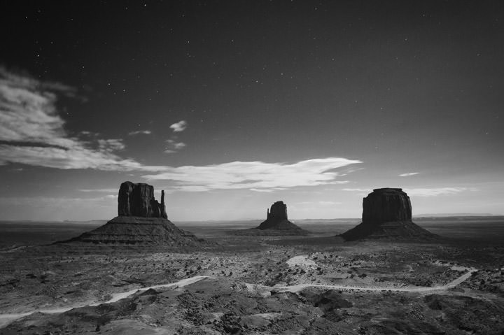 Photograph of Monument Valley 4