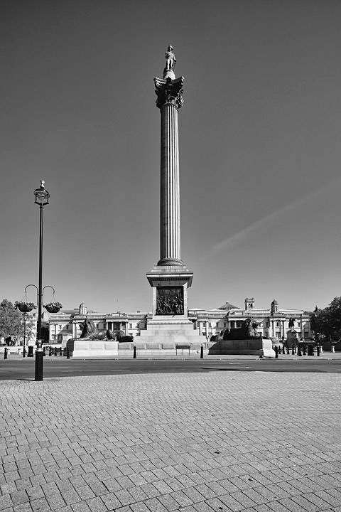 Photograph of Nelsons Column 15