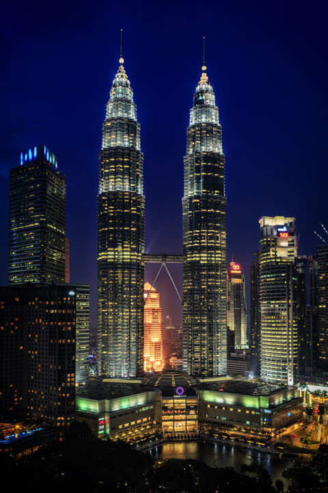 Photograph of Petronas Towers KL 5