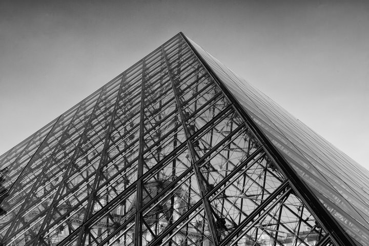 Photograph of Pyramid La Louvre 5