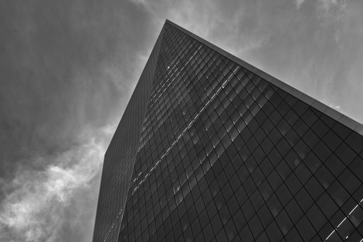 Black and white photo of The Scalpel building in London