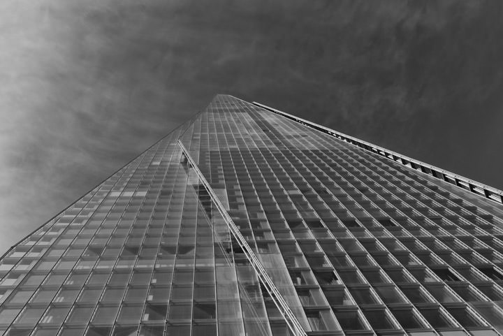 Black and white photo of the Shard in London