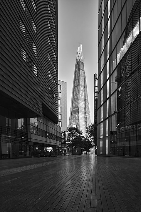 Photograph of Shard Vertical 1