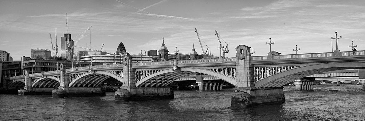 Photograph of Southwark Bridge 1